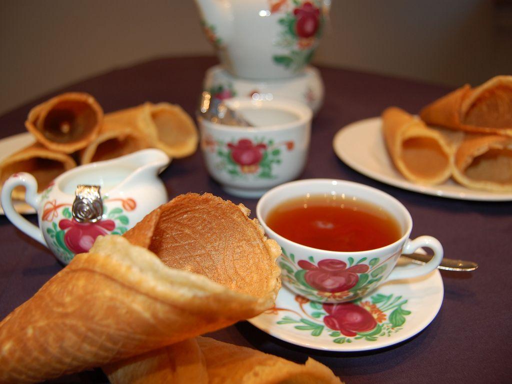 Tee und Neujahrskuchen in Ostfriesland