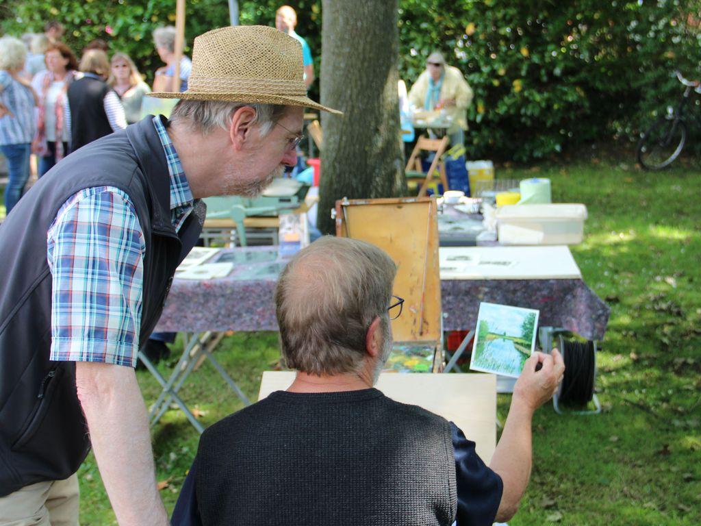 Kunst und Kultur im Museumsgarten in Rhauderfehn